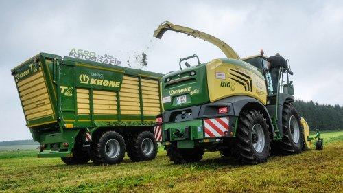 Tonnen binnen halen op de 'Journée de l'herbe' in Libramont-Chevigny ...  Krone Big X 580 en Krone TX 460 Loonbedrijf Van Loo Glenn - St.-Kruis-Winkel (B)