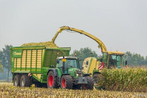 Ploegmakers heeft al heel wat stempels op zijn klantenkaart bij Krone.... Geplaatst door pips op 13-01-2016 om 23:33:12, op TractorFan.nl - de nummer 1 tractor foto website.