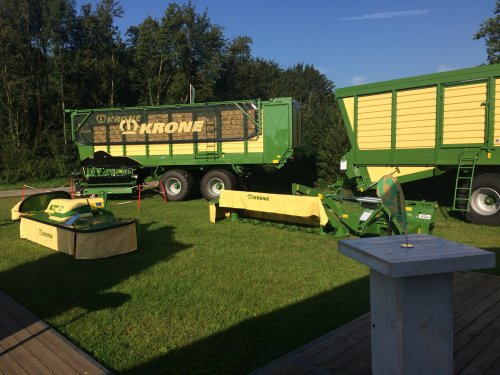 gezellige en succesvolle 4 dagen ath bij Krone. Geplaatst door Loonwerker_Erwin op 11-09-2016 om 10:50:55, op TractorFan.nl - de nummer 1 tractor foto website.