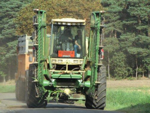 Loonbedrijf Vrg uit Balen. Geplaatst door fend1984 op 06-10-2016 om 20:17:20, op TractorFan.nl - de nummer 1 tractor foto website.