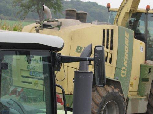 Foto van een Krone Big X 1100. Geplaatst door jans-eising op 12-11-2016 om 21:18:44, op TractorFan.nl - de nummer 1 tractor foto website.