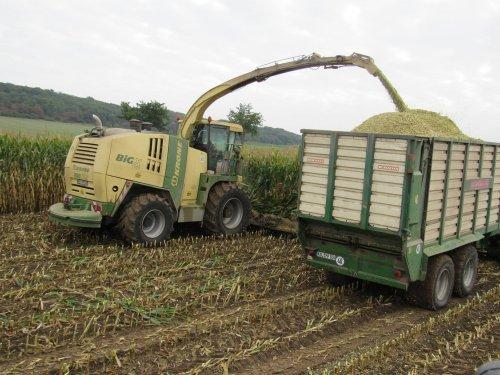 Foto van een Krone Big X 1100. Geplaatst door jans-eising op 12-11-2016 om 21:18:46, op TractorFan.nl - de nummer 1 tractor foto website.