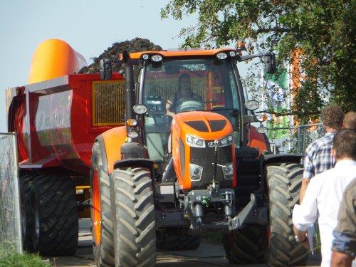Niet alleen de Kubota M7151 was een blikvanger... :P ATH 2016. Geplaatst door J-93 op 10-04-2017 om 22:56:36, op TractorFan.nl - de nummer 1 tractor foto website.