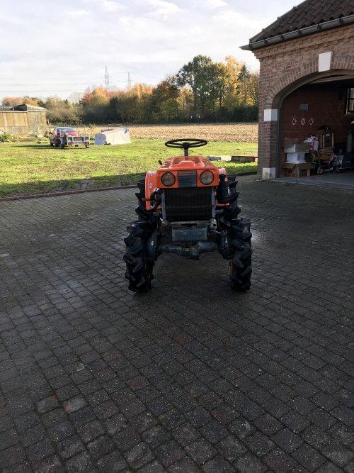 Foto van mijn kubota b6000 met frees dat ook te koop staat .. Geplaatst door Majorpower op 17-11-2019 om 19:46:05, op TractorFan.nl - de nummer 1 tractor foto website.