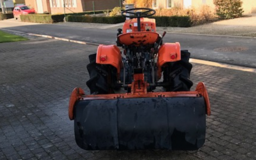 Foto van een Kubota B6000 met frees. Geplaatst door Majorpower op 05-01-2020 om 16:11:23, op TractorFan.nl - de nummer 1 tractor foto website.