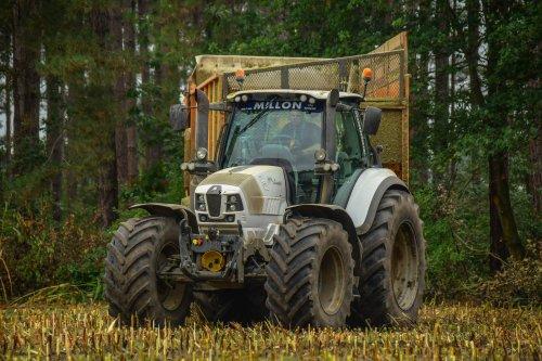 Landbouwwerken Volckaerts met een Lamborghini. Geplaatst door jd7920 op 07-10-2019 om 20:40:51, met 12 reacties.