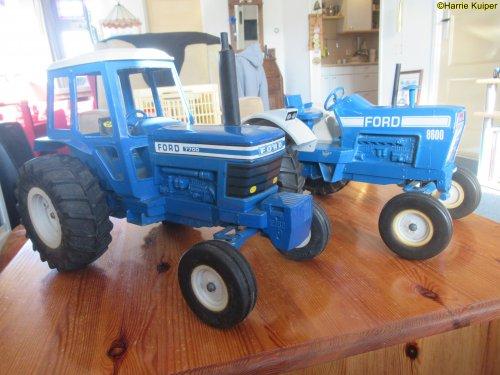 Landbouw miniaturen 1:12 Ford van oldtimergek