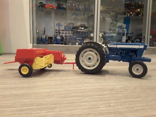 Landbouw miniaturen 1:16 Ford van mklok