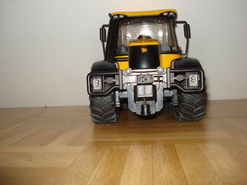 Landbouw miniaturen 1:16 JCB Wallpaper