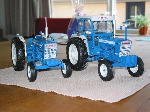 Landbouw miniaturen 1:16 Ford van oldtimergek