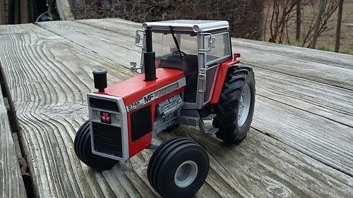 Landbouw miniaturen 1:32 Massey-Ferguson van boegie