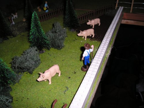 Foto van een Landbouw miniaturen 1:32 Dieren.varkens in de drek.. Geplaatst door johndeere8430t op 22-04-2008 om 07:31:02, op TractorFan.nl - de nummer 1 tractor foto website.