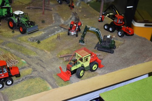 Landbouw miniaturen 1:32 MB trac van jordi 1455