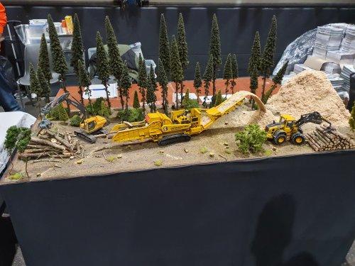 Foto van een Landbouw miniaturen 1:32 Volvo BM. Geplaatst door T.Tanis op 24-11-2019 om 10:00:07, met 3 reacties.