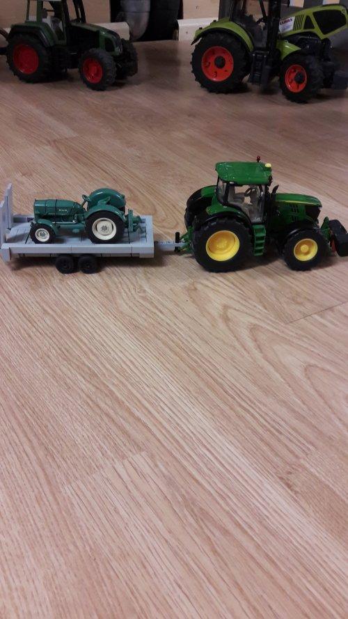 foto van mijn lego platte wagen met mijn m.a.n. 4r3  en john deere 6210.. Geplaatst door john deere for life op 07-12-2019 om 18:54:22, op TractorFan.nl - de nummer 1 tractor foto website.