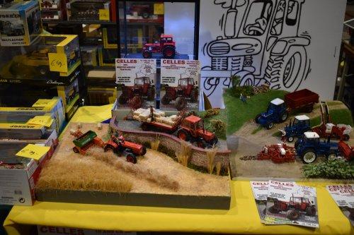 Foto van een Landbouw miniaturen 1:32 Meerdere. Geplaatst door jordi 1455 op 15-12-2019 om 12:14:16, op TractorFan.nl - de nummer 1 tractor foto website.