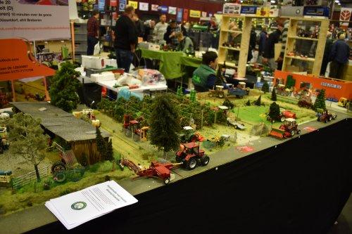 Foto van een Landbouw miniaturen 1:32 diorama. Geplaatst door jordi 1455 op 15-12-2019 om 22:03:13, op TractorFan.nl - de nummer 1 tractor foto website.