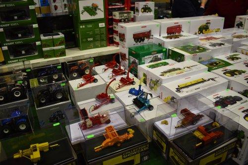Foto van een Landbouw miniaturen 1:32 Meerdere. Geplaatst door jordi 1455 op 16-12-2019 om 18:41:45, op TractorFan.nl - de nummer 1 tractor foto website.