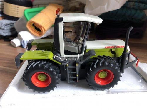 Landbouw miniaturen 1:32 Claas van catfan55