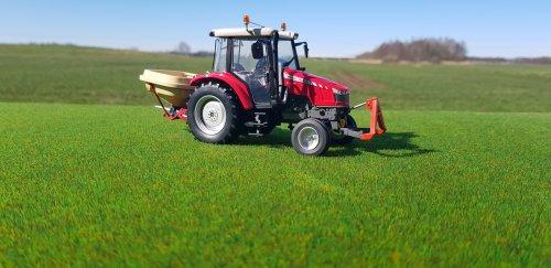 Foto van een Landbouw miniaturen 1:32 Massey-Ferguson. Geplaatst door Kimi4ever op 22-03-2020 om 14:33:44, met 2 reacties.