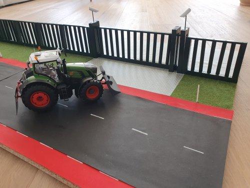 Foto van een Landbouw miniaturen 1:32 Fendt. Geplaatst door T.Tanis op 29-03-2020 om 17:28:47, op TractorFan.nl - de nummer 1 tractor foto website.