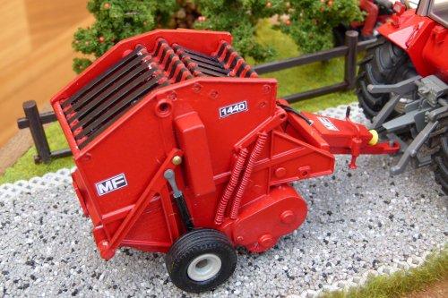 Foto van een Landbouw miniaturen 1:32 Massey-Ferguson. Geplaatst door wydoogheandy op 07-04-2020 om 20:39:53, met 3 reacties.