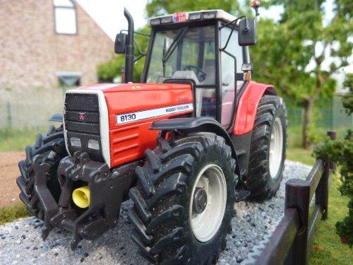 Foto van een Landbouw miniaturen 1:32 Massey-Ferguson. Geplaatst door wydoogheandy op 20-05-2020 om 21:47:11, met 3 reacties.