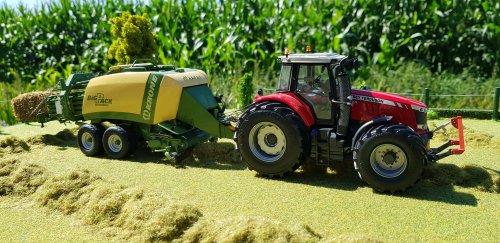 Foto van een Landbouw miniaturen 1:32 Massey-Ferguson. Geplaatst door Kimi4ever op 06-08-2020 om 16:10:01, met 3 reacties.