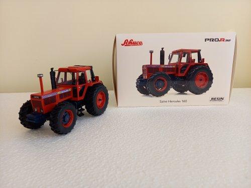 Foto van een Landbouw miniaturen 1:32 Same Hercules 160 een mooi gedetailleerde resin model.. Geplaatst door john deere 8360r op 23-01-2021 om 11:52:18, met 2 reacties.