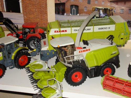 Landbouw miniaturen 1:32 Claas van agrotronfan