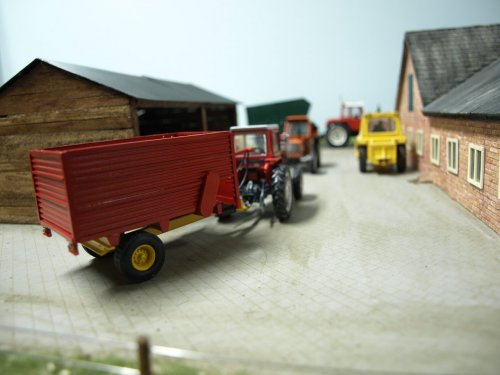 Landbouw miniaturen 1:43 Massey Ferguson van Bertje knutsel