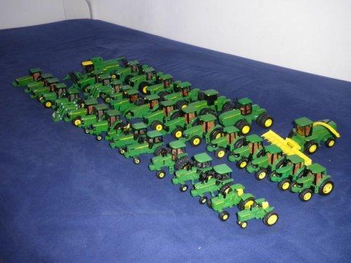 Landbouw miniaturen 1:64 John Deere van JD BORN 2 FARM