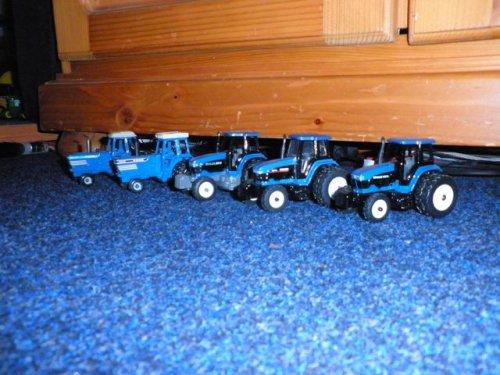 Landbouw miniaturen 1:64 meerdere van JD BORN 2 FARM