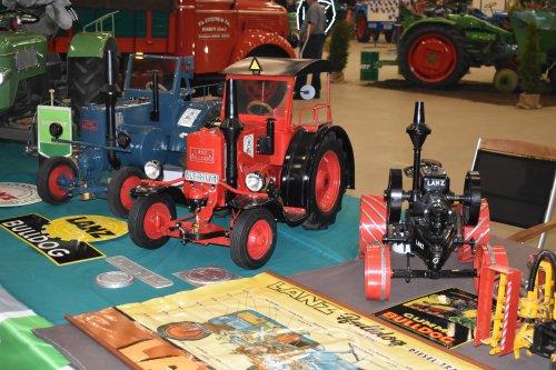 Foto van een Landbouw miniaturen schaal onbekend Meerdere. Geplaatst door jordi 1455 op 18-05-2019 om 23:32:56, op TractorFan.nl - de nummer 1 tractor foto website.
