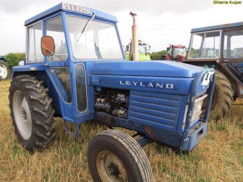 Leyland 253 van oldtimergek