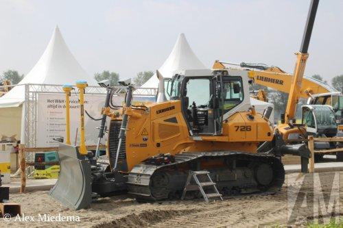 Liebherr bulldozer van Alex Miedema
