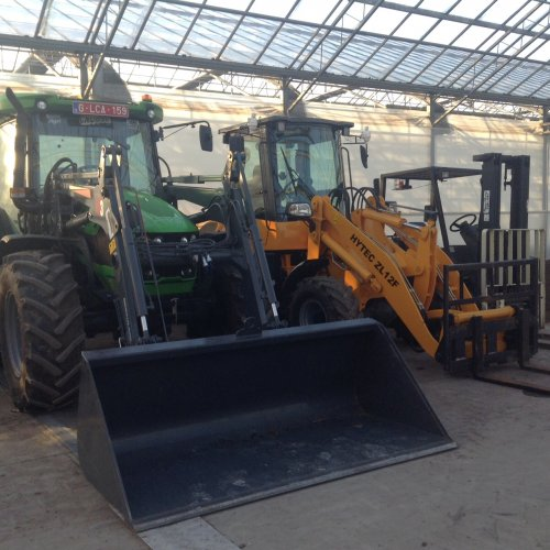 Foto van een machines meerdere Deutz Fahr 5090G Hytech zl12f Yale heftruck. Geplaatst door zenotrac1 op 22-01-2017 om 11:02:41, op TractorFan.nl - de nummer 1 tractor foto website.