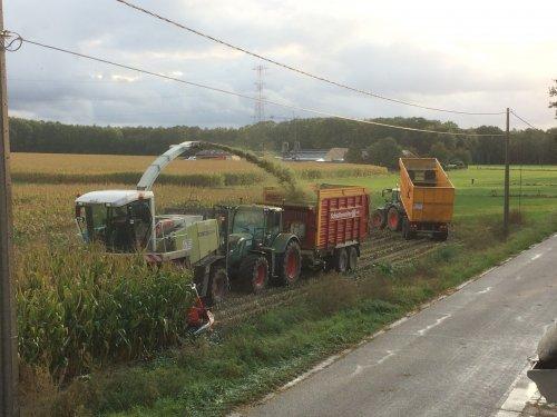 Foto van een Machines Diverse van Loonwerken Broekx. Mais 2019.. Geplaatst door StijnTheDeereDriver op 24-10-2019 om 23:58:40, op TractorFan.nl - de nummer 1 tractor foto website.