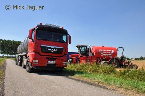 M.A.N TGX 18-440 met tankoplegger en Vervaet Hydro Trike XL. Loonwerken De Bruyne uit Assenede (B)  Filmpje? -> https://www.tractorfan.nl/movie/46730/