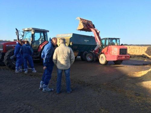 Clinic Agrifirm TMR Contstant voeren.. Geplaatst door jannickmarmix op 08-11-2018 om 20:30:38, op TractorFan.nl - de nummer 1 tractor foto website.