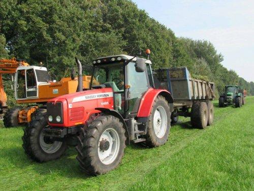 Foto van een Massey Ferguson 5465. Geplaatst door jans-eising op 05-01-2018 om 11:01:02, op TractorFan.nl - de nummer 1 tractor foto website.