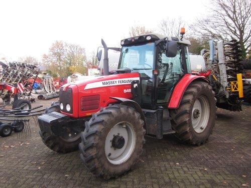 Foto van een Massey Ferguson 5465. Geplaatst door jordi 1455 op 02-02-2018 om 23:04:46, op TractorFan.nl - de nummer 1 tractor foto website.