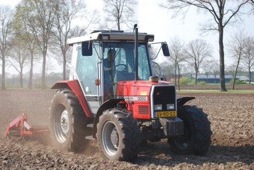 Foto van een Massey Ferguson 3050. Geplaatst door Husman1 op 17-04-2018 om 11:31:37, op TractorFan.nl - de nummer 1 tractor foto website.