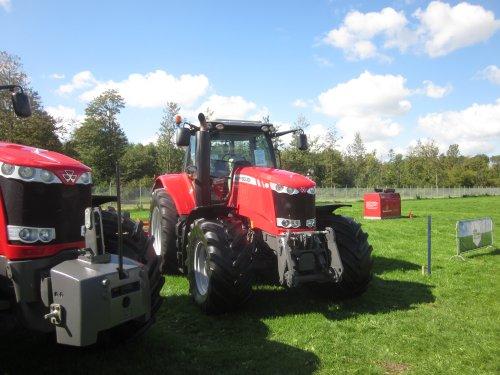 Foto van een Massey Ferguson 7720. Geplaatst door jordi 1455 op 23-09-2018 om 23:07:58, op TractorFan.nl - de nummer 1 tractor foto website.