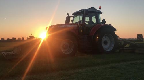 Foto van een Massey Ferguson 7720. Geplaatst door Redmerr op 16-10-2018 om 10:43:52, op TractorFan.nl - de nummer 1 tractor foto website.