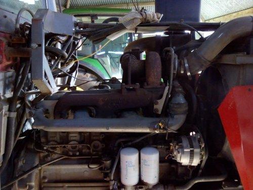 Massey Ferguson 2680, turbo eraf voor revisie. Foto 1. Geplaatst door MF 2725 op 28-01-2019 om 23:12:43, met 3 reacties.