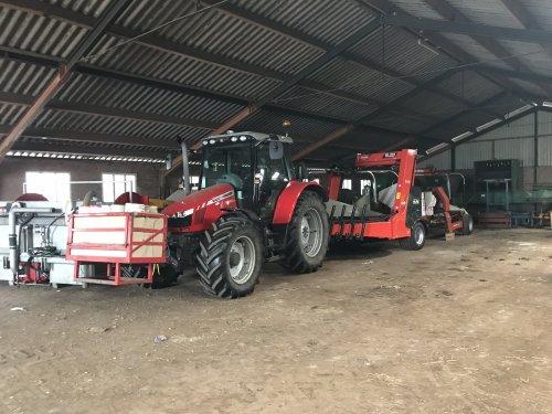 Foto van een Massey Ferguson 6455. Geplaatst door Angelo368 op 12-03-2019 om 20:02:33, op TractorFan.nl - de nummer 1 tractor foto website.