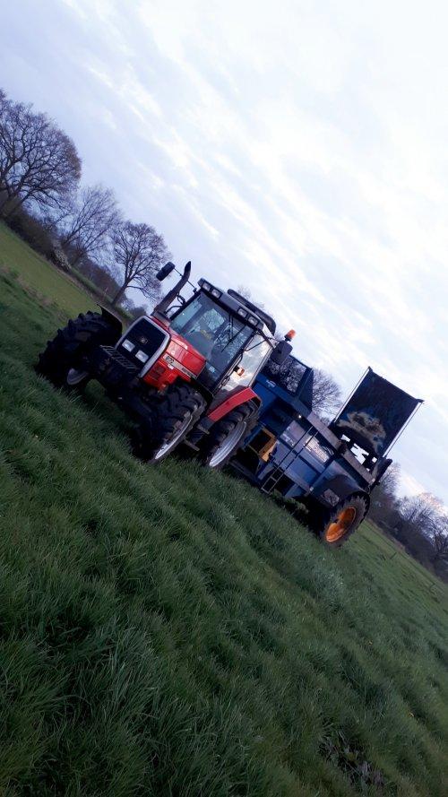 Foto van een Massey Ferguson 6170. Geplaatst door Emmink op 15-04-2019 om 04:12:47, op TractorFan.nl - de nummer 1 tractor foto website.