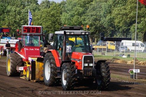 Foto van een Massey Ferguson 6170. Geplaatst door Emmink op 11-08-2019 om 15:59:46, op TractorFan.nl - de nummer 1 tractor foto website.