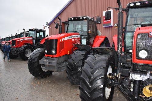 Foto van een Massey Ferguson 7485 bij de opendag bij pelgrom. Geplaatst door jordi 1455 op 05-01-2020 om 12:38:47, op TractorFan.nl - de nummer 1 tractor foto website.